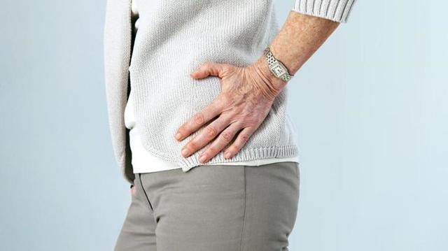Боль в бедре при ходьбе в в верхней или нижней части