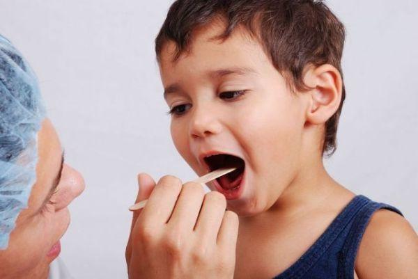 Аллергический стоматит: что это такое, фото, причины, лечение