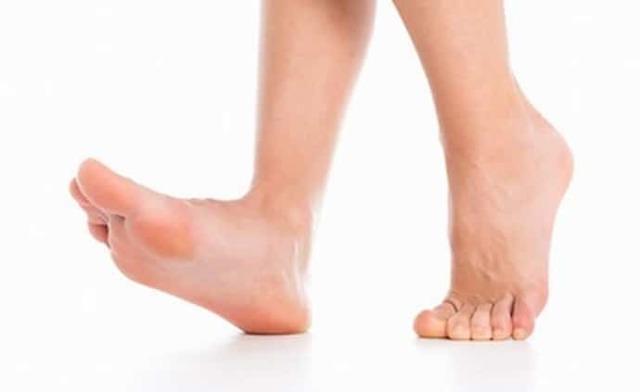 Почему немеют ступни ног - псе причины и что делать