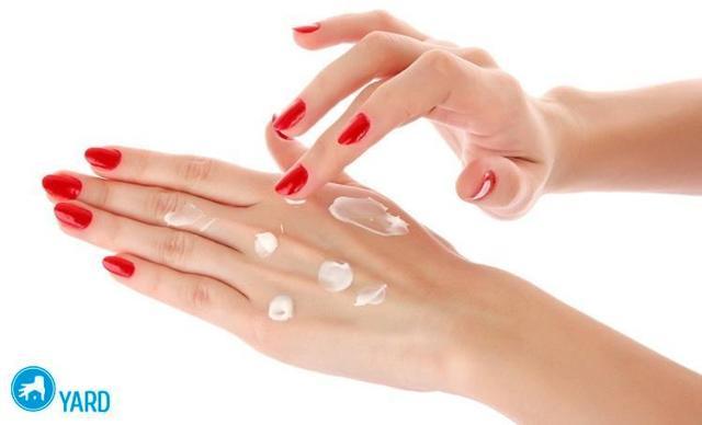 Сухая кожа на кончиках пальцев рук, причины с фото и лечение