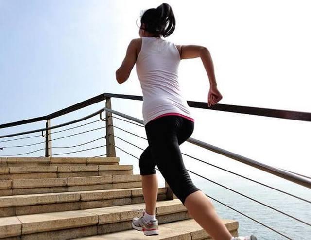 Боль в колене при ходьбе - все причины и как лечить