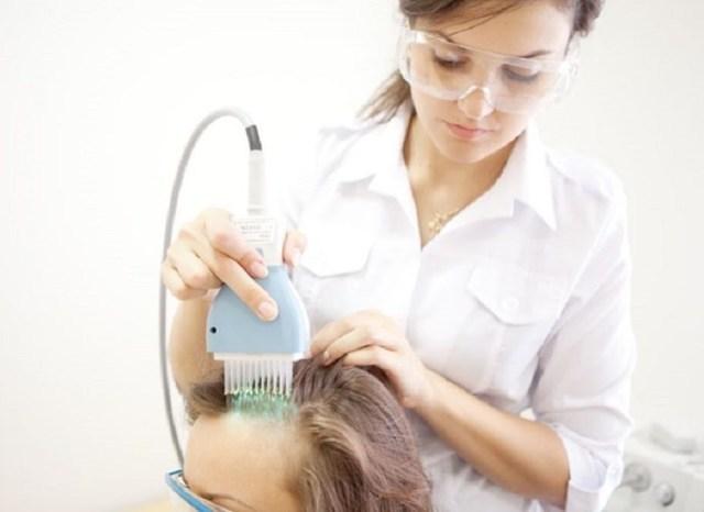Почему появилась сыпь на голове в волосах - все причины