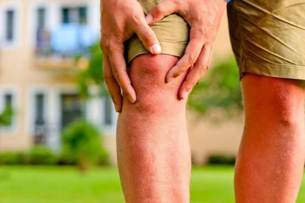 Почему на ноге дергается мышца: все причины и что делать