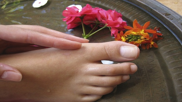 Стержневая мозоль под кожей: фото, причины и как лечить