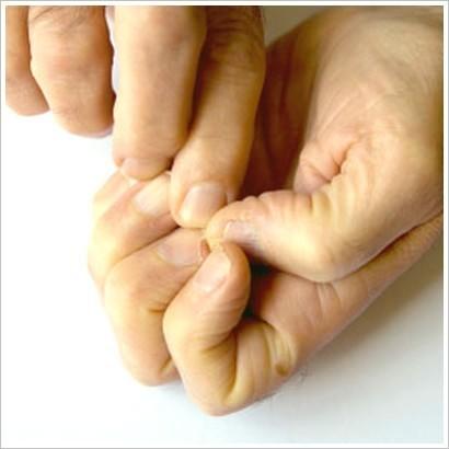 Трещины возле ногтей на руках и их лечение на кончиках пальцев