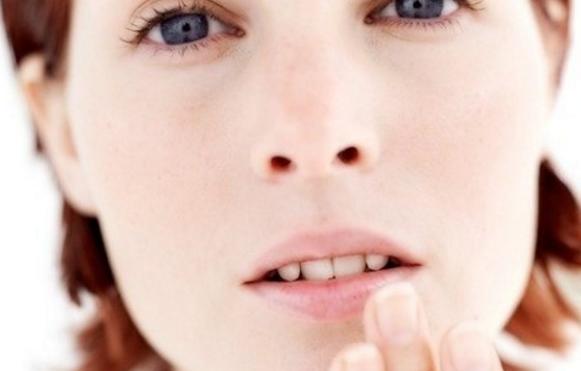 Пигментные пятна на губах, причины с фото и как избавиться